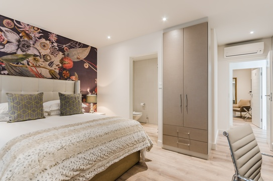 Double Luxury Bedroom - Botanical Gardens