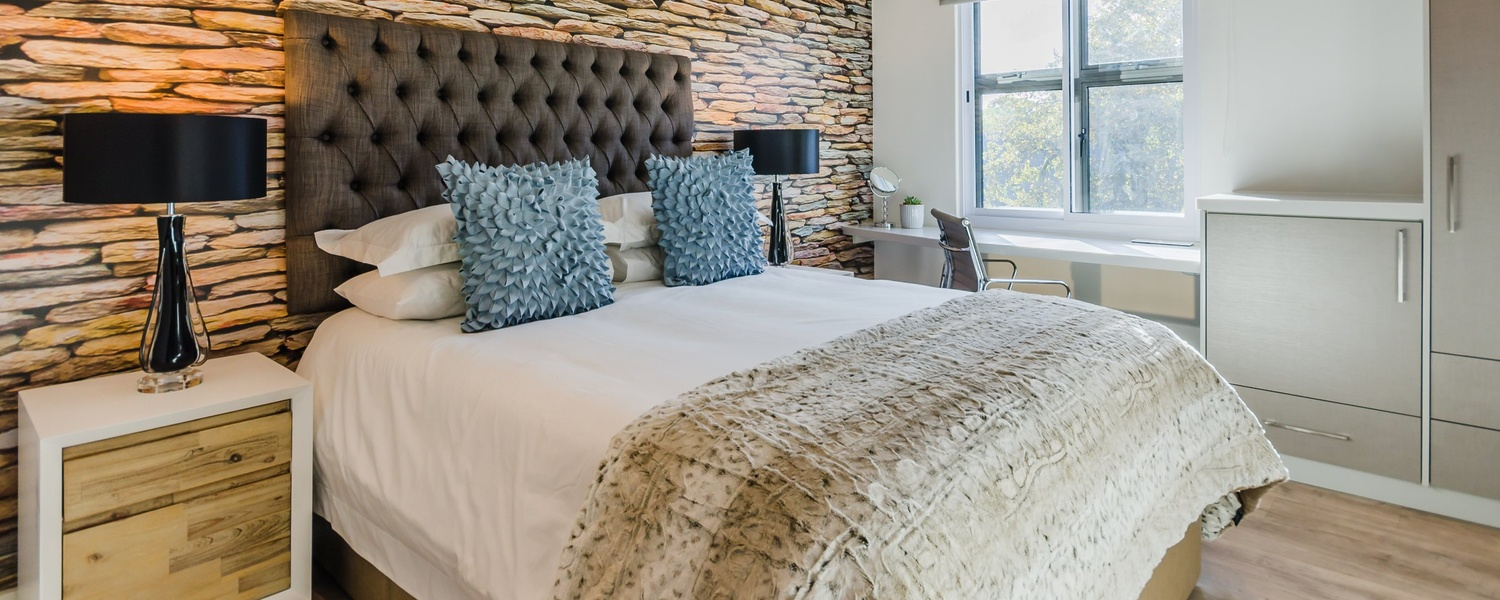 Penthouse Luxury Bedroom - Stone Tools
